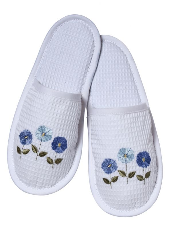 Slippers, Waffle Weave, Row of Flowers (Blue) - DG05-ROFBL