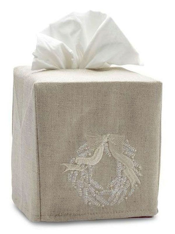 DG23-CWBE  Tissue Box Cover, Natural Linen - Christmas Wreath (Beige)